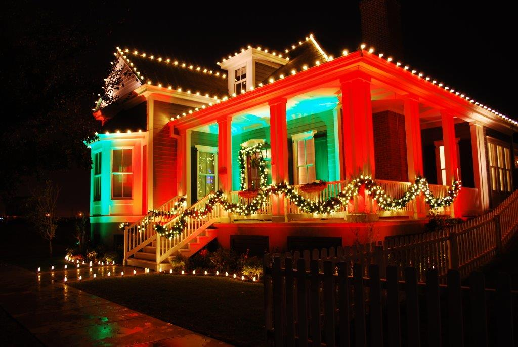 Outdoor Holiday Lighting Trends