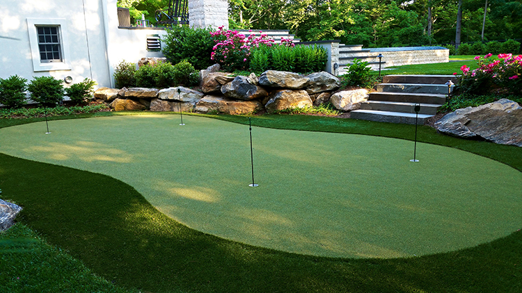 Outdoor Putting Green Cost Considerations